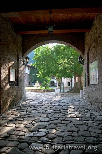 Bachkovski_manastir.jpg