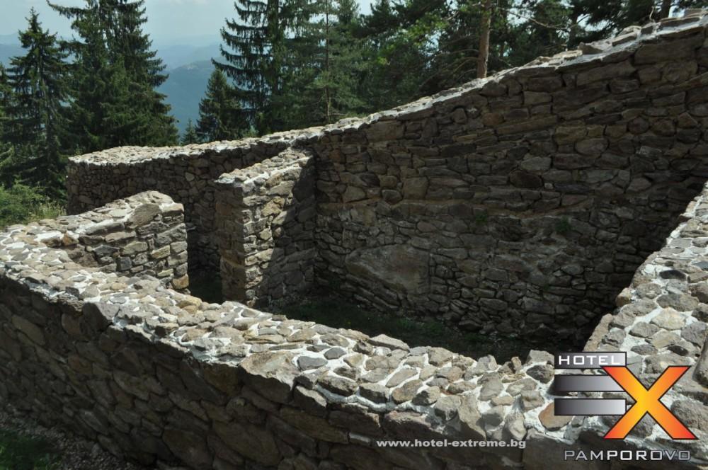 Един от зидовете на крепостта