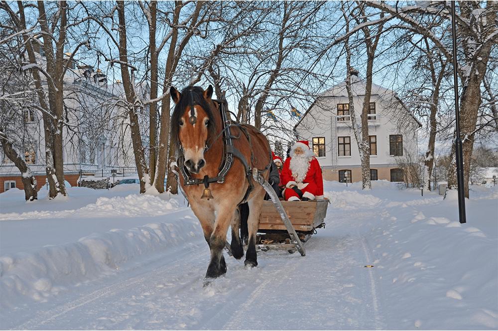 Дядо Коледа идва в Пампорово с шейната