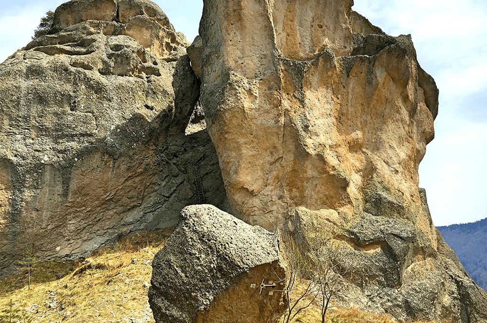 Гледката към Караджов Камък